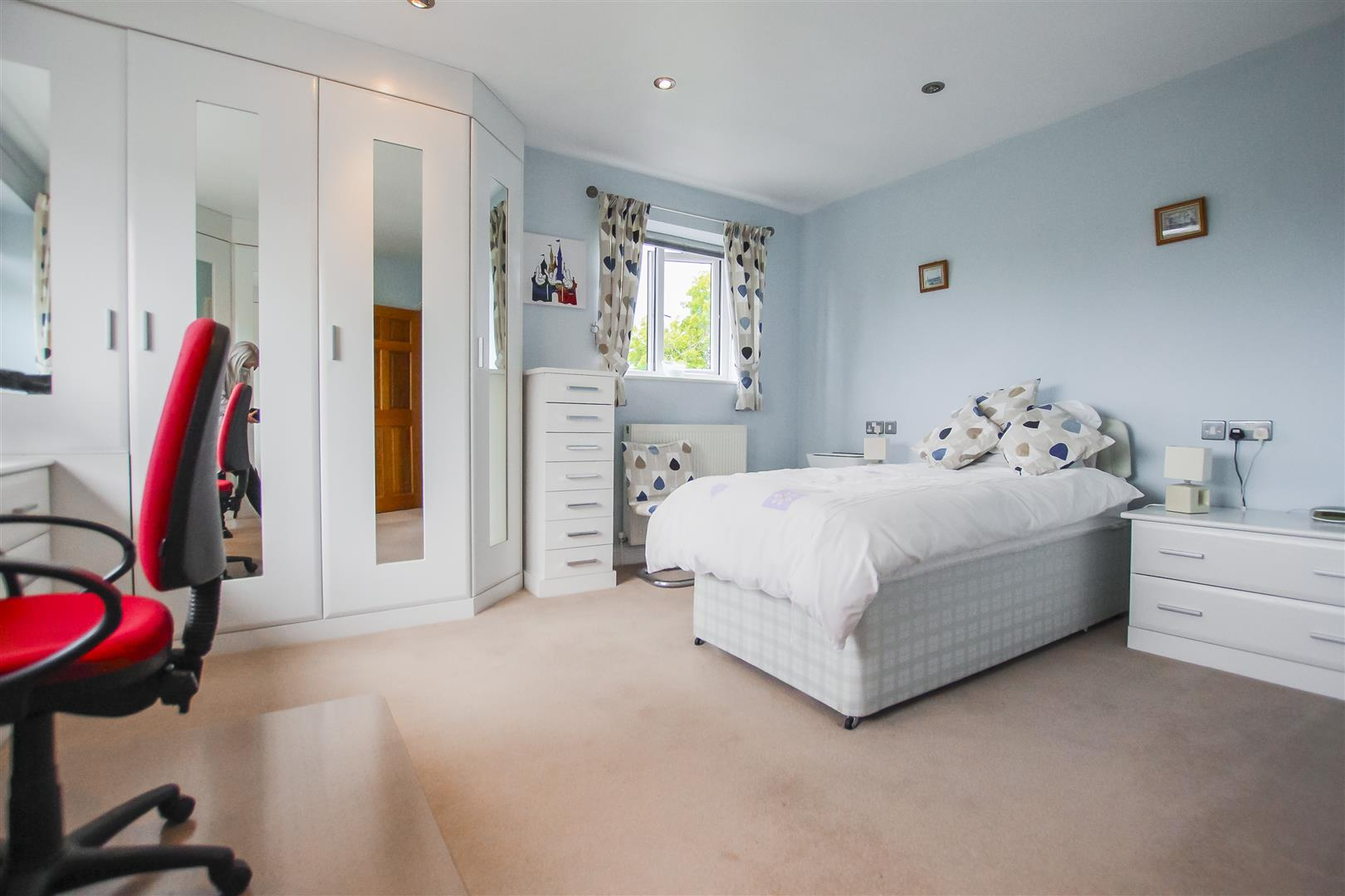 6 Bedroom Detached House For Sale - Annex Bedroom Two